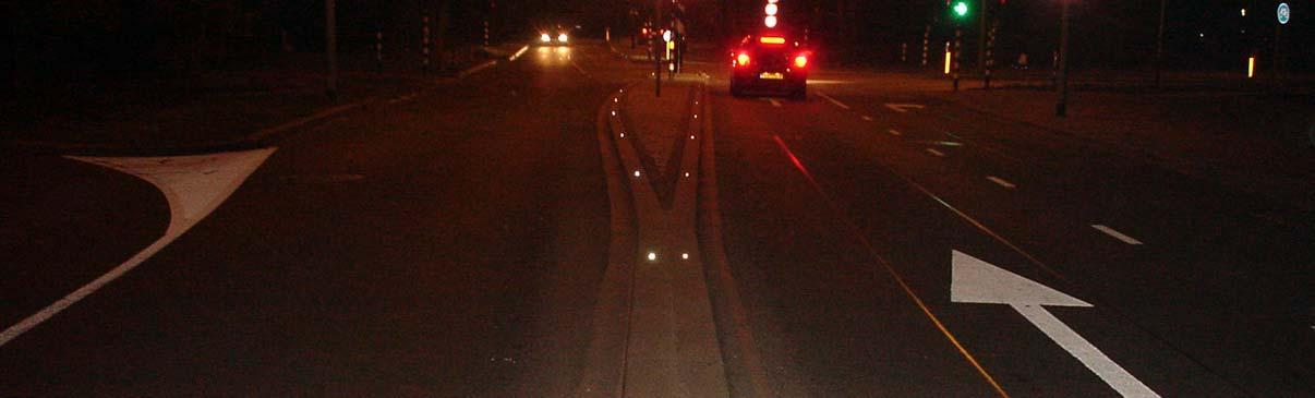 Odblaski na drodze, jezdni, odblaski drogowe